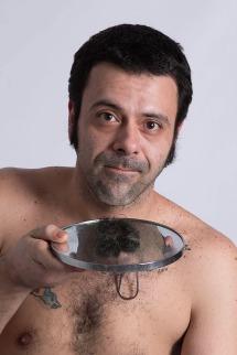 Renato e o que sobrou do seu bigode...