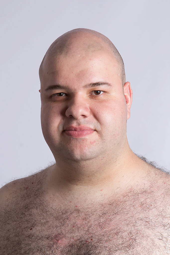 Rafael, sem barba e pronto pra falar da Saúde Masculina.